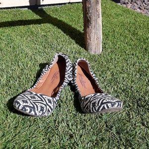 Lucky Brand Erin Aztec Black Cream Ballet Flats